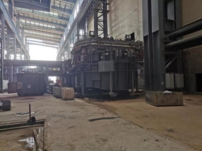 2021年9月,督察组现场督察发现金晟兰冶金科技有限企业(二期)违规建设电炉 图片来源:生态环境部微信公众号