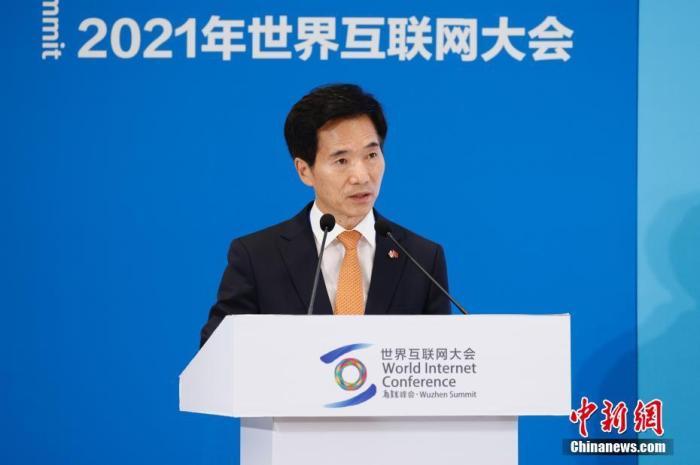 图为韩国驻武汉总领事馆总领事姜承锡致辞。 中新社记者 韩海丹 摄