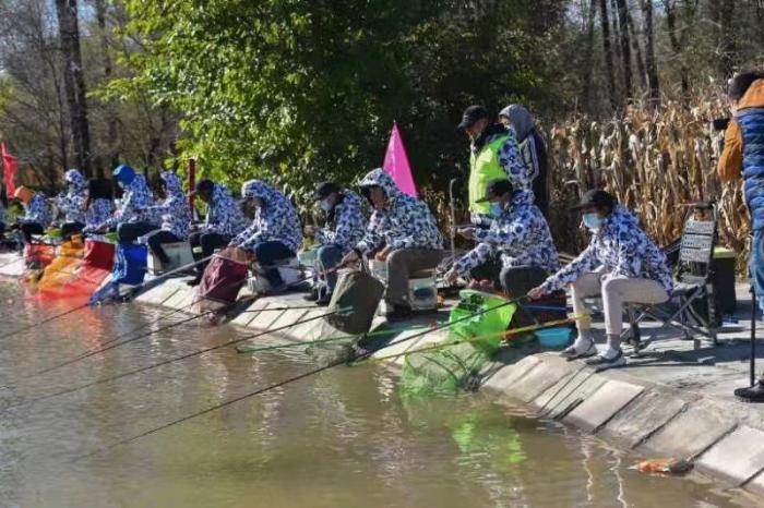 第六届北京国际钓鱼友谊赛举行 26国选手挥竿竞技