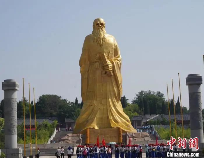 资料图:河南灵宝函谷关的老子广场。阚力 摄