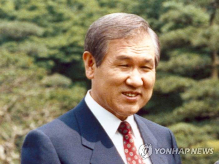 资料图:韩国前总统卢泰愚生前照。图片来源:韩联社