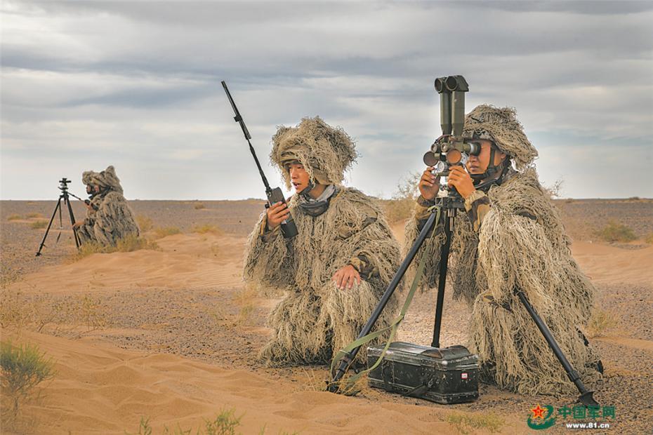 布阵大漠、淬炼精兵!第八十三集团军某旅跨昼夜演练掠影