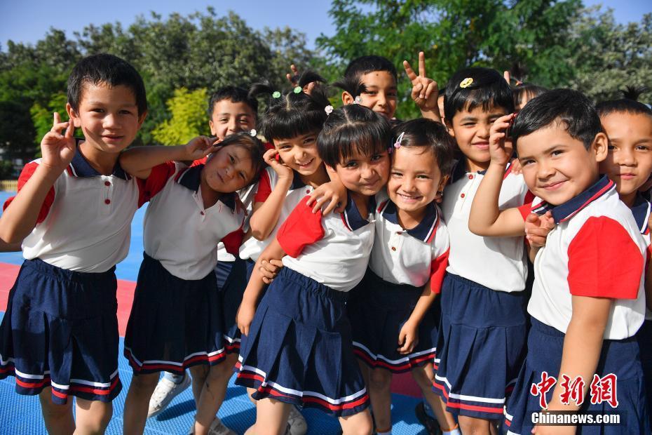 探访新疆和田县布扎克乡库木村幼儿园