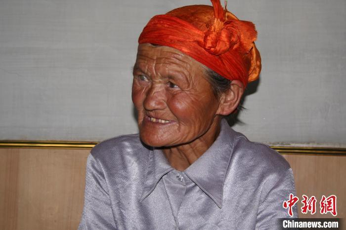 """萨仁托娅拍摄的""""草原母亲""""。 萨仁托娅供图"""
