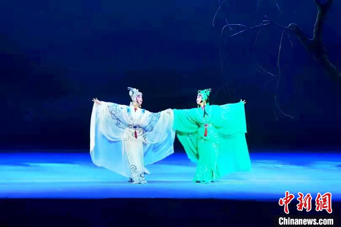 浙江婺剧艺术研究院的《断桥》。 徐火炬 摄