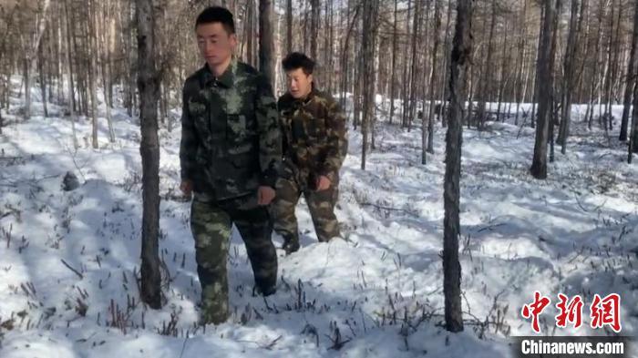 汗马国度级天然养护区晚秋降大雪 雪深达30厘米
