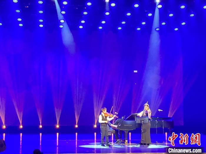 2021北京(国际)运河文明节《爱上大学生运动会河》音乐会举行
