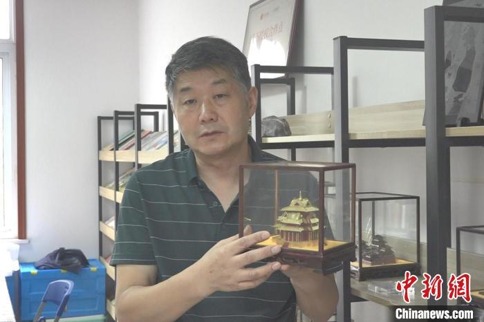 手工达人张禾:自制古建微模型传播传统文化