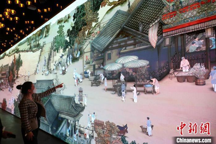 贯穿古今 中外三大艺术展携手亮相南京